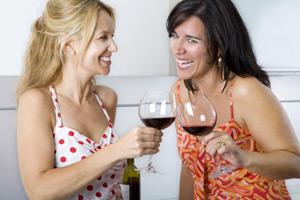 В каких случаях женщинам полезно пить вино