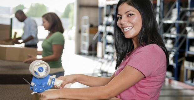 Женщины на работе больше устают, а получают меньше мужчин