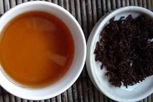 Черный чай минимизирует последствия неправильного питания