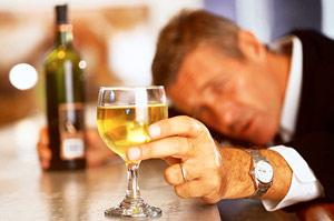 Пьющие люди реже сталкиваются с проблемой лишнего веса
