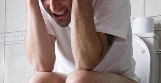 Анальная кровь – частый симптом «стыдных» болезней