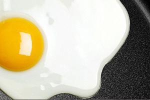 Яичный завтрак убережет от переедания