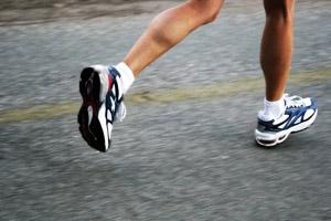 Самая опасная обувь – спортивные кроссовки
