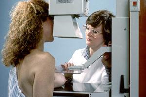 Посещение маммолога обязательно для молодых девушек