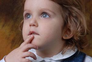 Колыбельные могут помочь больным недоношенным детям