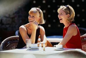 Откровенные разговоры с подругой не избавляют от переживаний