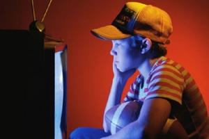 Дети, которые смотрят слишком много телевидения, чаще становятся преступниками