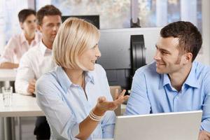 Служебный роман положительно сказывается на продуктивности труда