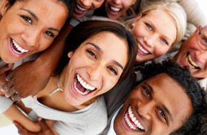 Неискренний смех ухудшает самочувствие человека