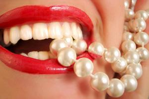 От сладкой газировки тускнеют зубы