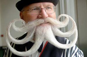 Женщины не любят усатых и бородатых мужчин
