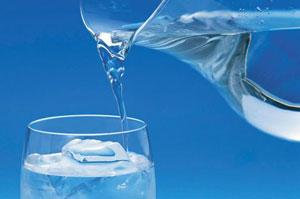 Обычная вода является идеальным контролером аппетита
