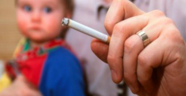 Дети курящих родителей в 4 раза чаще имеют проблемы с сердцем