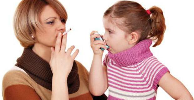 Пассивное курение может вызывать болезни десен