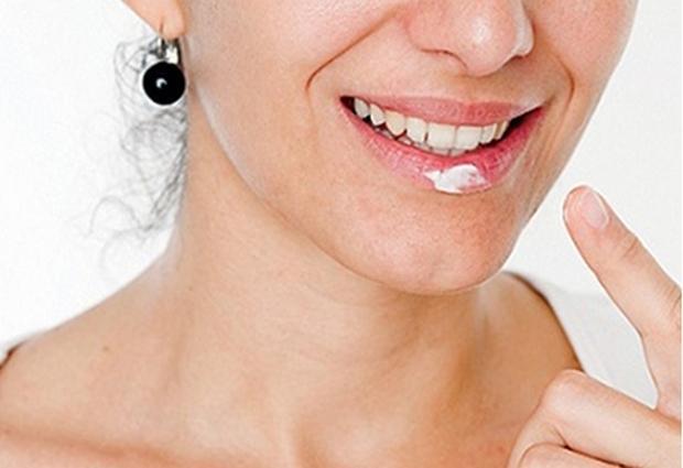 Как народными способами лечить герпес на губах