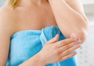 Грубая кожа на локтях: как отбелить и смягчить?