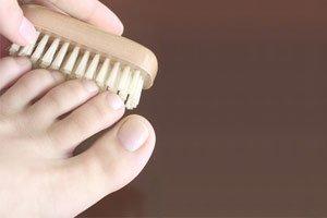 Как лечить грибок ногтей перекисью водорода по неумывакину