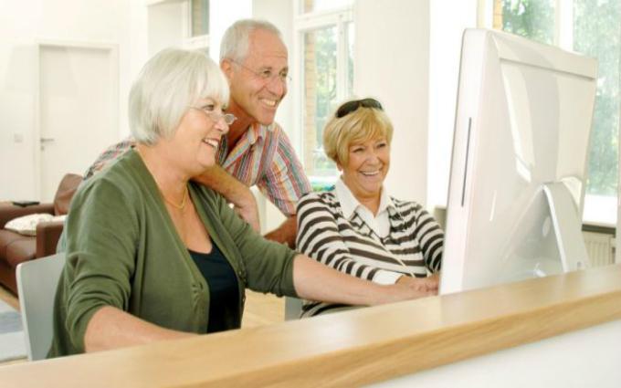 Пожилые пользователи «всемирной паутины» внимательнее следят за здоровьем