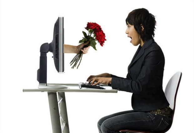Пары, познакомившиеся в интернете, часто расстаются