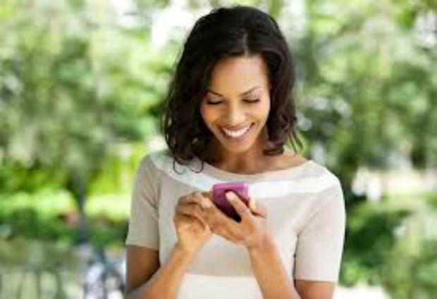 Современные женщины стали предпочитать смартфоны сексу