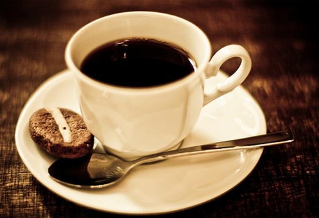 Кофе не обезвоживает организм, выяснили ученые