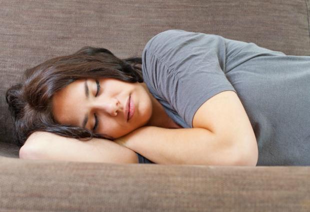 Ученые рассказали, что дневной сон после 40 лет смертельно опасен
