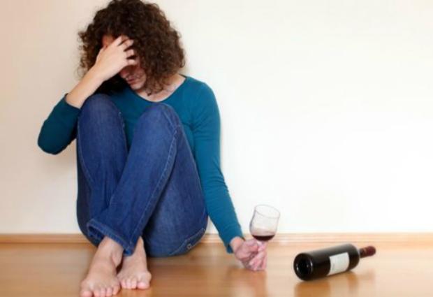 Ученые доказали, что трудоголики чаще становятся алкоголиками