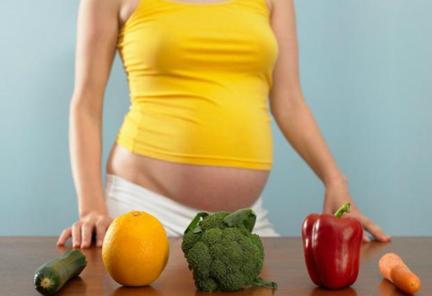 Переедание во время беременности опасно для будущего ребенка