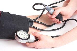 Гипертоники должны чаще измерять давление самостоятельно
