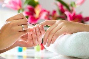 УФ лампы в салонах красоты безопасны для кожи рук