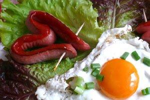 От кариеса защищает сытный завтрак