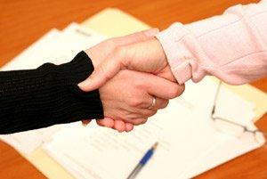 Чем крепче пожатие руки, тем дольше проживет человек